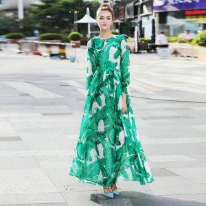 Mooie / Prachtige Groen Chiffon Maxi-jurken 2018 Straatkleding Ronde Hals Lange Mouwen Het Drukken Bloem Enkellange Ruche Dameskleding
