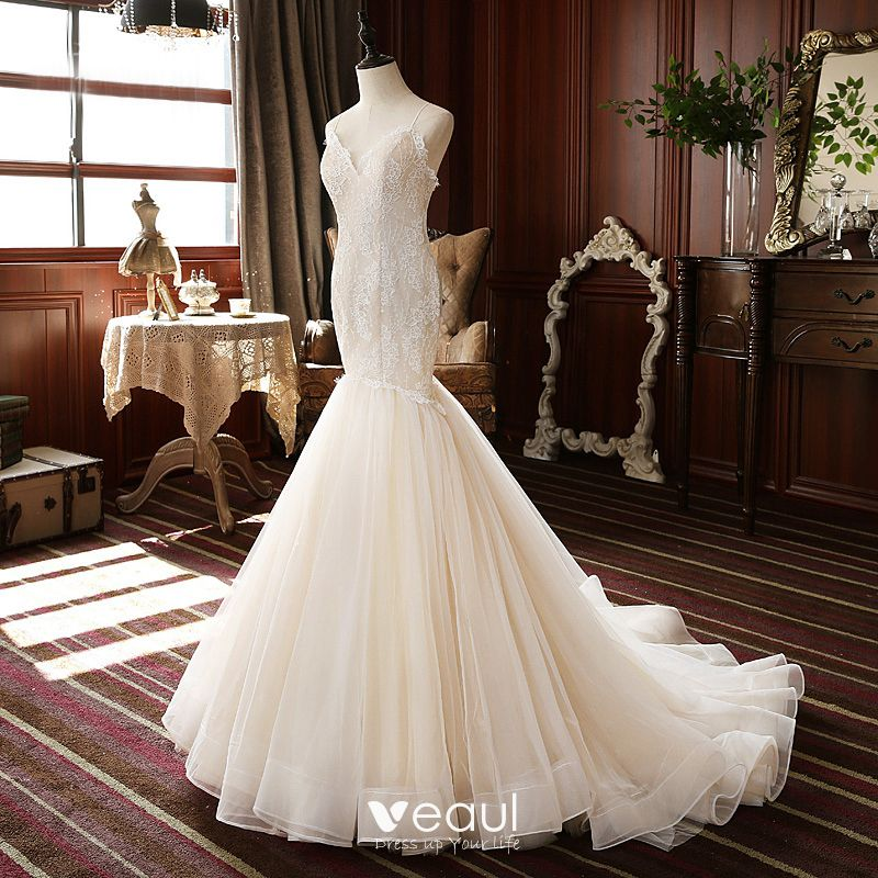 High End Champagne Outdoor Garden Wedding Dresses 2020 Trumpet Mermaid Spaghetti Straps Sleeveless Backless Appliques Lace Sweep Train Ruffle