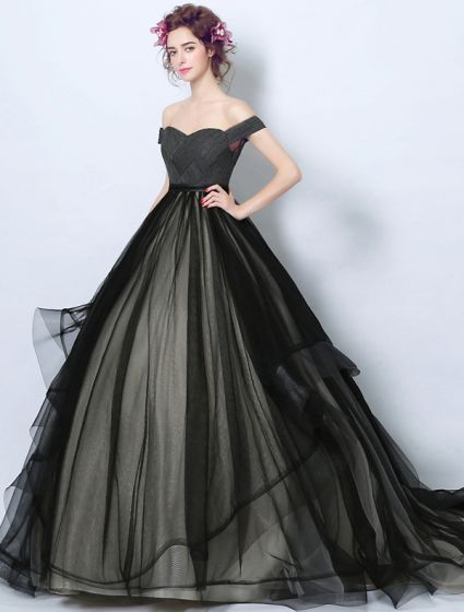 de21e98f7687 elegant-prom-dresses-2017-off-the-shoulder-ruffle-black-champagne-tulle- dress-425x560.jpg