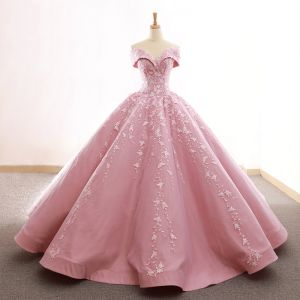 High End Pink Ballkleider 2020 Ballkleid Off Shoulder Kurze Ärmel Blumen Applikationen Spitze Sweep / Pinsel Zug Rüschen Rückenfreies Festliche Kleider