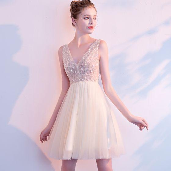 13a7d8ca27 Seksowne Szampan Sukienki Koktajlowe 2018 Princessa Frezowanie Cekiny V-Szyja  Bez Pleców Bez Rękawów Krótkie Sukienki Wizytowe