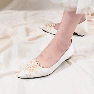 Elegant Ivory Satin Perle Brudesko 2020 Læder 3 cm Low Heel Spidse Tå Bryllup Pumps