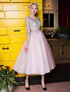 Robes De Graduation Belle 2017 Scoop Décolleté Applique Dentelle Sequin Thé Longueur Tulle Robe Rose