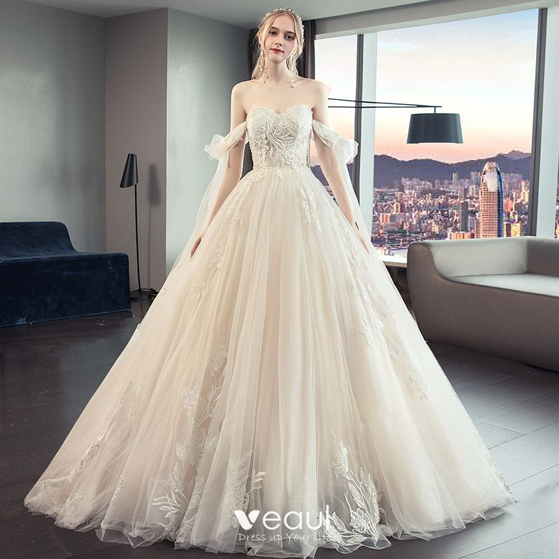 Chic Beautiful Champagne Wedding Dresses 2019 A Line Princess Strapless Beading Lace Flower Sleeveless Backless Bow Royal Train
