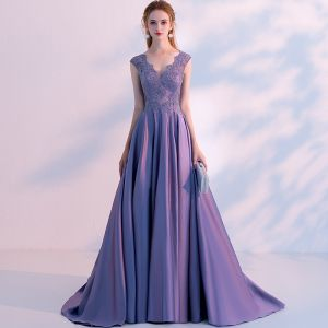 Chic / Beautiful Lavender Evening Dresses  2018 A-Line / Princess Beading Lace Flower V-Neck Sleeveless Sweep Train Formal Dresses