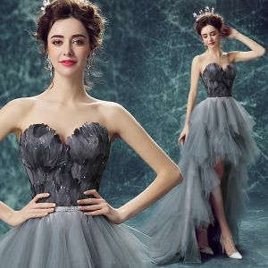 Chic / Beautiful Cocktail Party Formal Dresses 2017 Cocktail Dresses Grey A-Line / Princess Asymmetrical Pleated Sweetheart Sleeveless Backless Feather Rhinestone