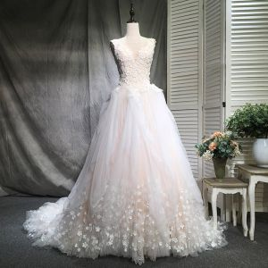 Stunning Champagne Wedding Dresses 2018 Ball Gown V-Neck Sleeveless Backless Appliques Flower Pearl Ruffle Chapel Train