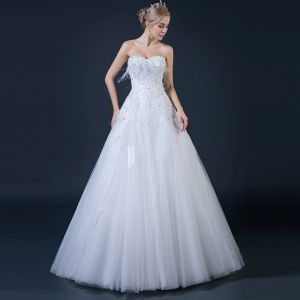 Affordable White Wedding Dresses 2018 A-Line / Princess Sweetheart Sleeveless Backless Feather Appliques Lace Rhinestone Ruffle Floor-Length / Long