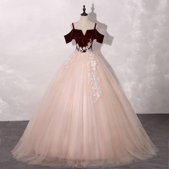 Chic / Belle Rougissant Rose Bordeaux Robe De Bal 2020 Robe Boule épaules Manches Courtes Appliques En Dentelle Longue Volants Dos Nu Robe De Ceremonie