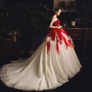 Najpiękniejsze / Ekskluzywne Czerwone Szampan Suknie Ślubne 2019 Suknia Balowa Kochanie Bez Rękawów Bez Pleców Trenem Kaplica Kaskadowe Falbany