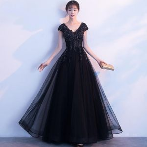 Modern / Fashion Black Evening Dresses  2019 A-Line / Princess V-Neck Cap Sleeves Appliques Lace Rhinestone Floor-Length / Long Ruffle Backless Formal Dresses