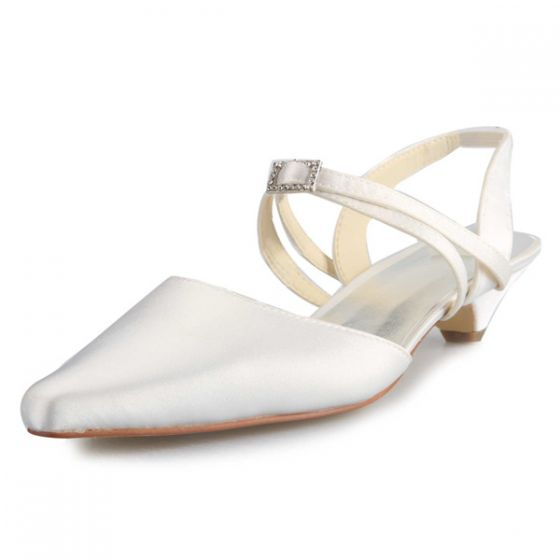 Elegant Pointed Toe Strap Ivory Low Heels Wedding Shoes