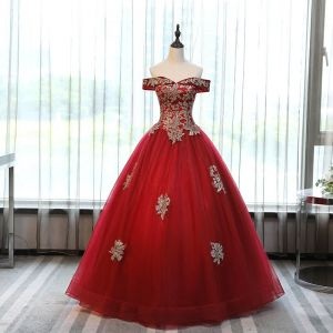 Chic / Beautiful Red Prom Dresses 2017 Ball Gown Off-The-Shoulder Short Sleeve Rhinestone Appliques Flower Floor-Length / Long Ruffle Backless Formal Dresses