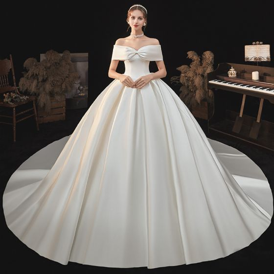 Modest / Simple Elegant Ivory Satin Wedding Dresses 2021 Ball Gown Off-The-Shoulder Bow Short Sleeve Backless Cathedral Train Wedding