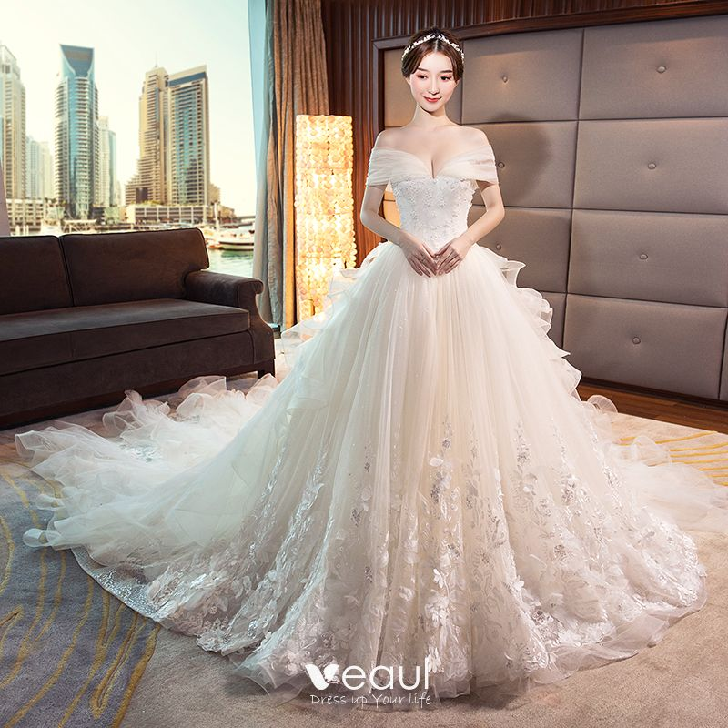 Stunning Champagne Wedding Dresses 2018 Ball Gown Lace