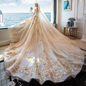 Luxury / Gorgeous Champagne Glitter Tulle Wedding Dresses 2019 A-Line / Princess Off-The-Shoulder Lace Embroidered Backless Royal Train