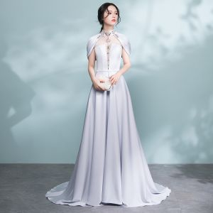 Moderne / Mode Gris Percé Robe De Soirée 2017 Princesse Col Haut Bustier Perlage Cristal Ceinture Train De Balayage Dos Nu Robe De Ceremonie