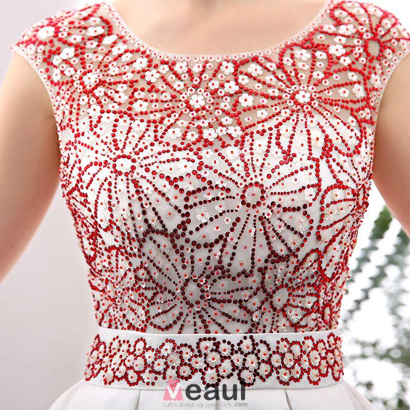 2016 Elegante Ronde Hals Rode Steentjes Bloemen Verstoord Wit Satijn Galajurk
