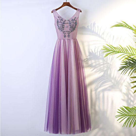 Schöne Lila Festliche Kleider 2017 A Linie Mit Spitze Blumen Perlenstickerei Rückenfreies V-Ausschnitt Lange Abendkleider