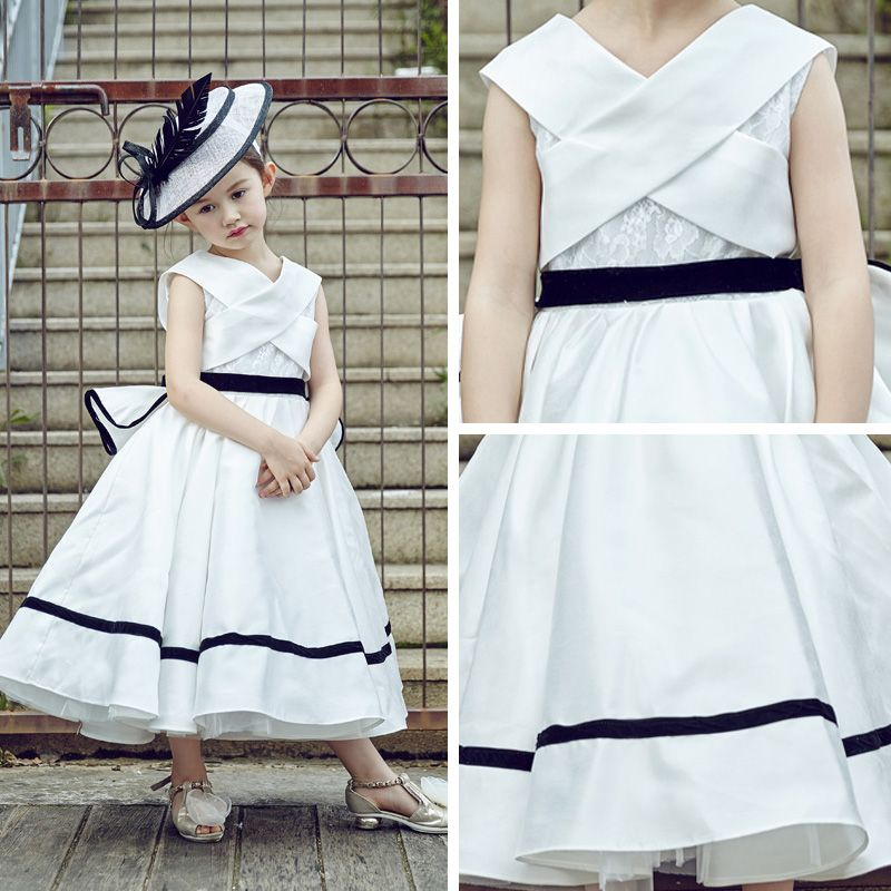 Chic / Beautiful Church Wedding Party Dresses 2017 Flower Girl Dresses White A-Line / Princess Tea-length Cascading Ruffles V-Neck Sleeveless Sash