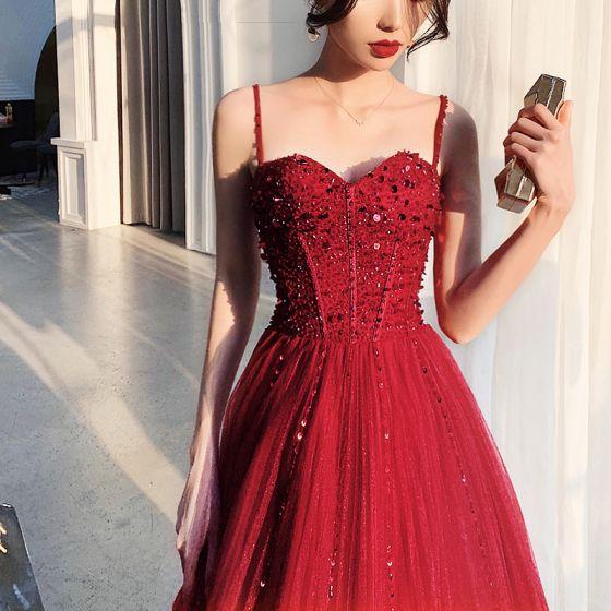 Luksusowe Burgund Sukienki Na Bal 2019 Princessa Spaghetti Pasy Bez Rękawów Frezowanie Długie Wzburzyć Bez Pleców Sukienki Wizytowe
