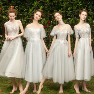 Chic / Beautiful Grey Bridesmaid Dresses 2019 A-Line / Princess Appliques Lace Short Ruffle Wedding Party Dresses