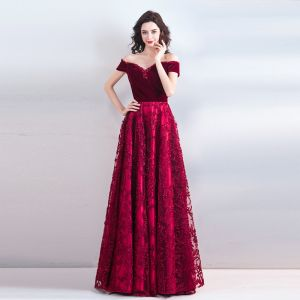 Chic / Beautiful Burgundy Floor-Length / Long Evening Dresses  2018 A-Line / Princess Strapless Charmeuse Backless Beading Rhinestone Evening Party Formal Dresses
