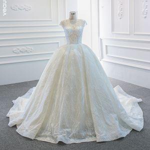Luxe Blanche La Mariée Robe De Mariée 2020 Robe Boule Transparentes Encolure Carrée Sans Manches Dos Nu Perlage Paillettes Chapel Train Volants