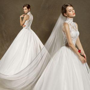 Chinesischer Stil Brautkleider 2017 Ivory / Creme Ballkleid Sweep / Pinsel Zug Stehkragen Ärmellos Durchbohrt Mit Spitze Applikationen