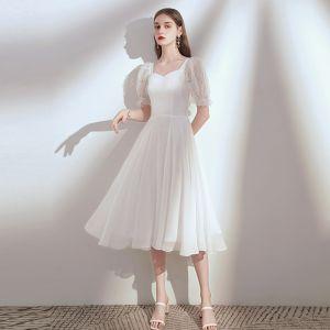Hermoso Blanco Gasa de fiesta Vestidos de graduación 2020 A-Line / Princess Escote Cuadrado Hinchado Manga Corta Té De Longitud Ruffle Sin Espalda Vestidos Formales