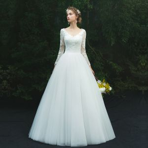 Modest / Simple Ivory Pierced Wedding Dresses 2019 A-Line / Princess V-Neck Long Sleeve Appliques Lace Floor-Length / Long Ruffle
