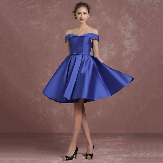 Proste / Simple Królewski Niebieski Sukienki Dla Druhen 2018 Princessa Przy Ramieniu Kótkie Rękawy Bez Pleców Kokarda Szarfa Krótkie Wzburzyć Sukienki Na Wesele