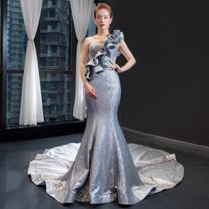Sparkly Silver Red Carpet Evening Dresses  2020 Trumpet / Mermaid One-Shoulder Sleeveless Appliques Lace Sequins Chapel Train Ruffle Backless Formal Dresses