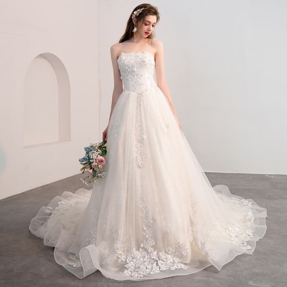 Chic Beautiful Ivory Wedding Dresses 2018 A Line Princess Lace Flower Liques Beading Crystal Strapless Backless