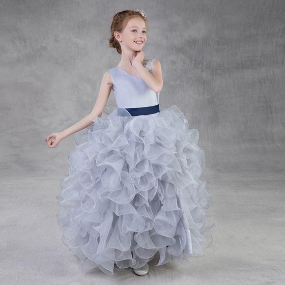 Hermoso Plata Organza Vestidos para niñas 2018 Ball Gown Único Hombros Sin Mangas Lentejuelas Rebordear Cinturón Largos Volantes En Cascada Vestidos para bodas