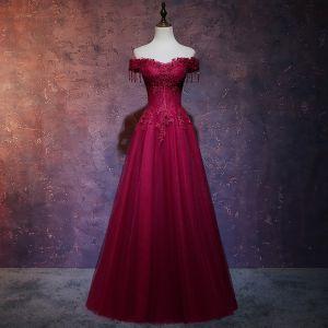 Classy Burgundy Evening Dresses  2019 A-Line / Princess Off-The-Shoulder Short Sleeve Beading Tassel Appliques Lace Floor-Length / Long Ruffle Backless Formal Dresses
