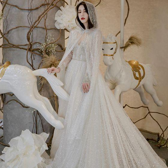 Glitzernden Ivory / Creme Brautkleider Mit Umhang 2018 A Linie V-Ausschnitt Lange Ärmel Rückenfreies Glanz Kapelle-Schleppe Rüschen