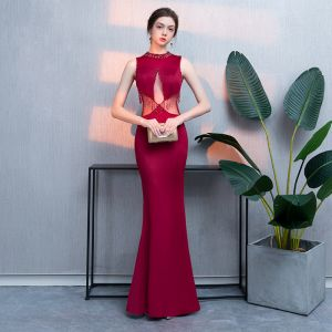 Chic / Beautiful Burgundy Evening Dresses  2018 Trumpet / Mermaid Beading Crystal Tassel Scoop Neck Sleeveless Floor-Length / Long Formal Dresses
