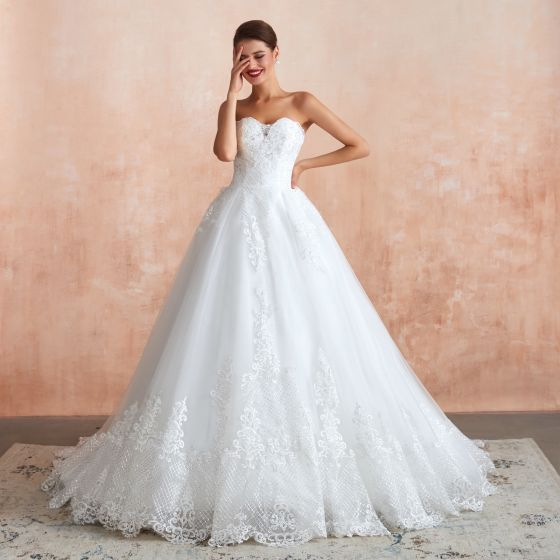 High-end White Wedding Dresses 2020 A-Line / Princess Sweetheart Sleeveless Backless Appliques Lace Sequins Chapel Train Ruffle