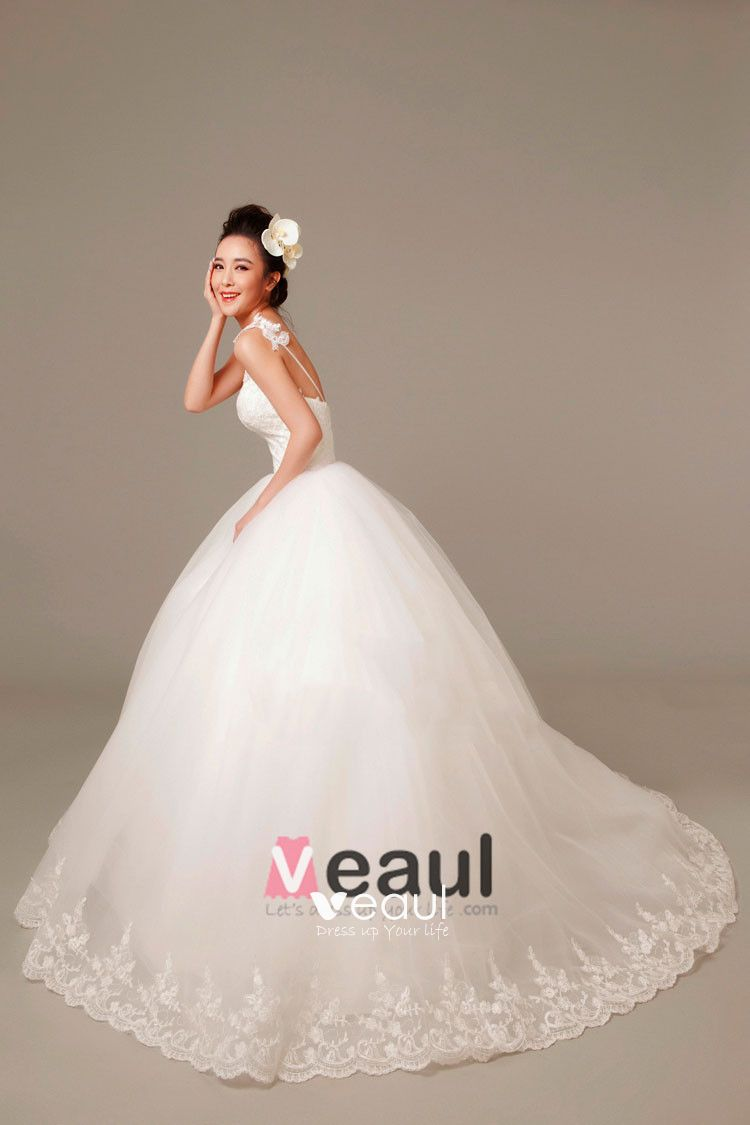 Applique Beading Spaghetti Straps Tulle Ball Gown Wedding Dress