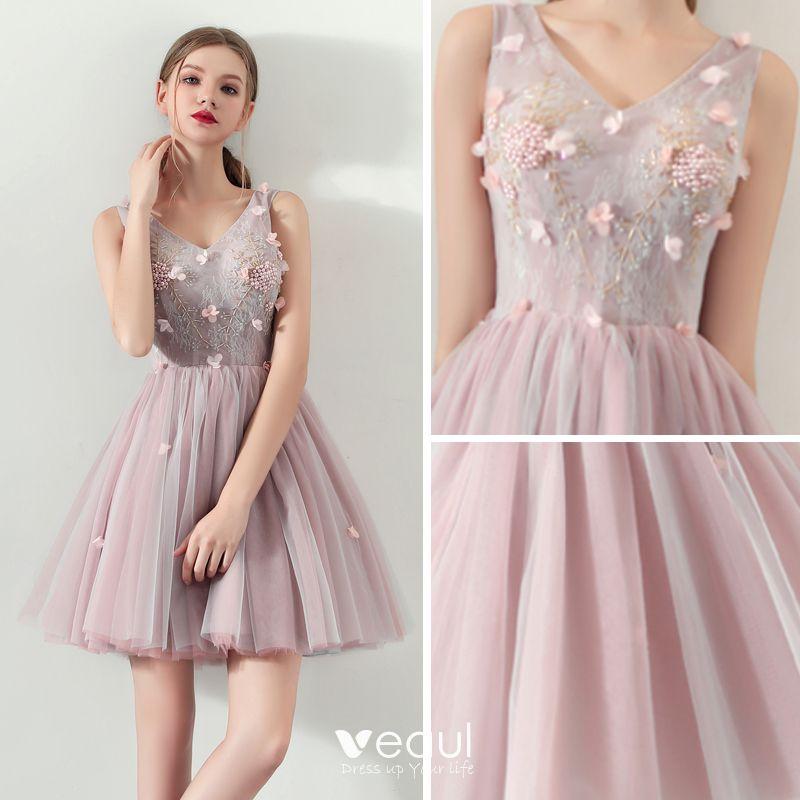 Moda Perla Rosada Verano Vestidos De Cóctel 2018 Ball Gown V Cuello Sin Mangas Apliques Flor Rebordear Perla Cortos Ruffle Sin Espalda Vestidos
