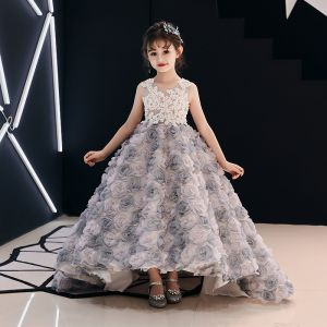 Flower Fairy Champagne Flower Girl Dresses 2019 Ball Gown Scoop Neck Sleeveless Appliques Flower Beading Pearl Sweep Train Ruffle Wedding Party Dresses