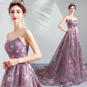 Chic / Beautiful Purple Prom Dresses 2019 A-Line / Princess Strapless Lace Flower Sleeveless Backless Sweep Train Formal Dresses
