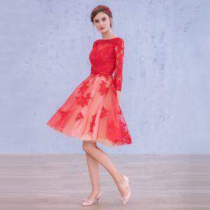 Piękne Czerwone Homecoming Sukienki Na Studniówke 2017 Princessa Długie Rękawy Wycięciem Aplikacje Z Koronki Kokarda Szarfa Długość do kolan Bez Pleców Sukienki Wizytowe