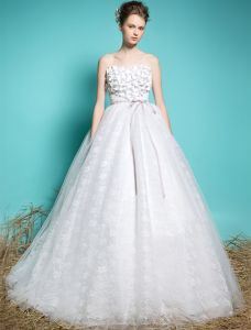 Sweetheart Wedding Dresses 2016 Applique Flowers Beading Ruffle Glitter Lace Ball Gown Wedding Dress With Sash
