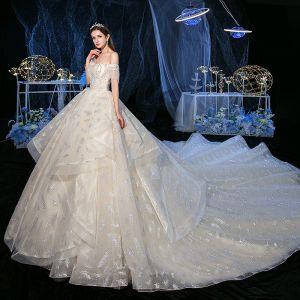 Flotte Champagne Bryllups Brudekjoler 2020 Prinsesse Off-The-Shoulder Kort Ærme Halterneck Glitter Tulle Beading Tassel Royal Train Flæse