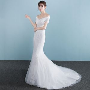 Chic / Beautiful Church Hall Wedding Dresses 2017 White Trumpet / Mermaid Court Train V-Neck Short Sleeve Backless Lace Appliques Rhinestone