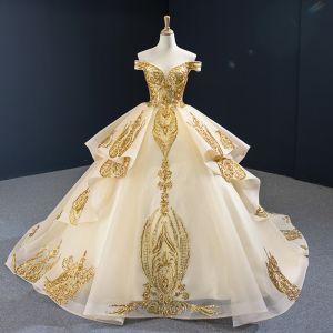 High End Gold Brautkleider / Hochzeitskleider 2020 Ballkleid Off Shoulder Kurze Ärmel Rückenfreies Applikationen Pailletten Hof-Schleppe Rüschen