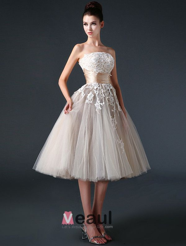 2015 Ball Gown Strapless Ruffle Sash Appliques Lace Tulle Short Champagne Wedding Dress