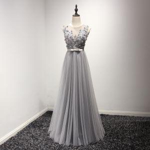 Modern / Fashion Grey Evening Dresses  2017 A-Line / Princess Floor-Length / Long Scoop Neck Sleeveless Backless Appliques Flower Beading Pearl Rhinestone Bow Sash Pierced Formal Dresses